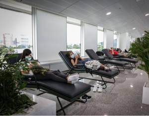 Phục vụ miễn phí 20 ghế ngủ và khu vui chơi trẻ em tại sân bay Tân Sơn Nhất