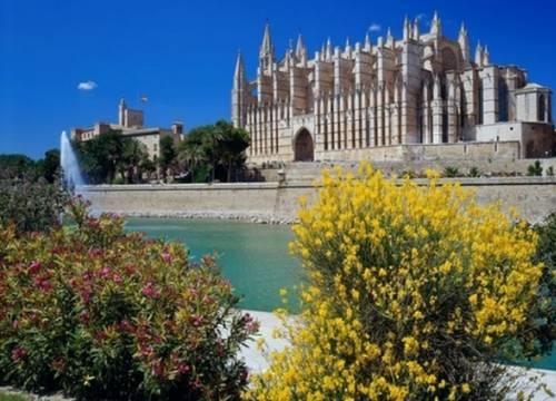 Vé máy bay đi Mallorca giá rẻ